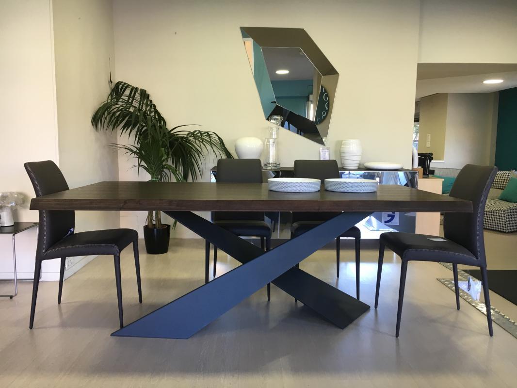 Tavolo Saarinen Dwg : Tavolo riflessi prezzo tavolo rotondo dwg showroomdelserramento