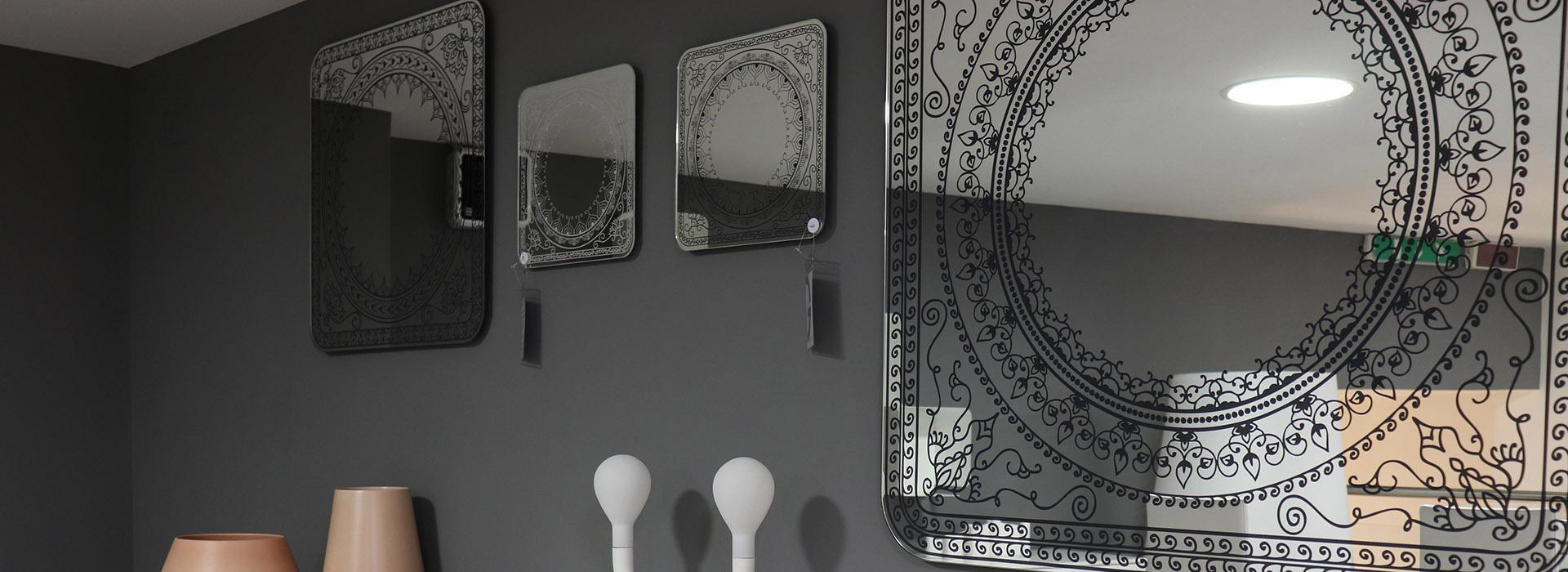Damasco specchi calligaris ginocchi arredamenti for Ginocchi arredamenti