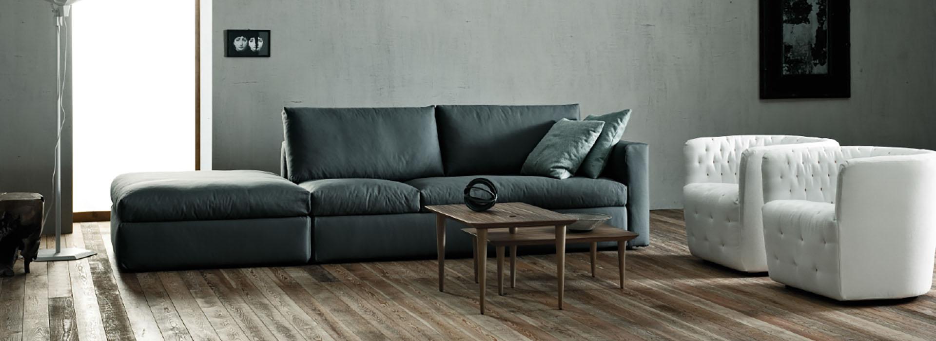 Trucchi e segreti per pulire i divani in pelle